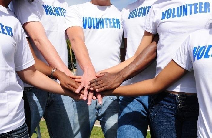 волонтерство англійською
